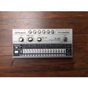 Uberzone Roland TR-606 Analog Drum Machine - Used